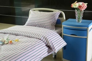 L4 Polyester Cotton Hospital Bed Linen Pink Stripes