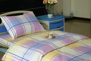 E11 Cotton Hospital Bed Linen Big Checks