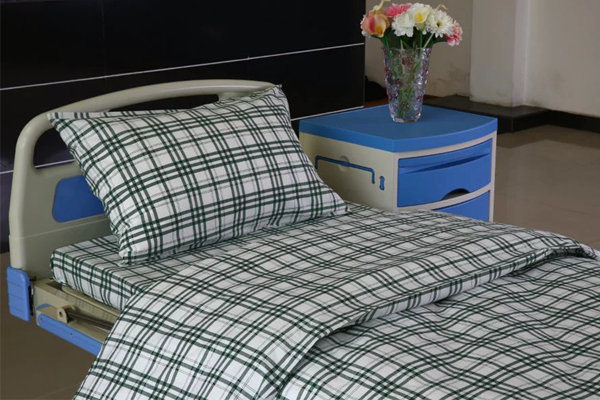 2017 wholesale price Zebra Curtain Fabric - F7 Cotton Hospital Bed Linen Green-white Check – LONGWAY
